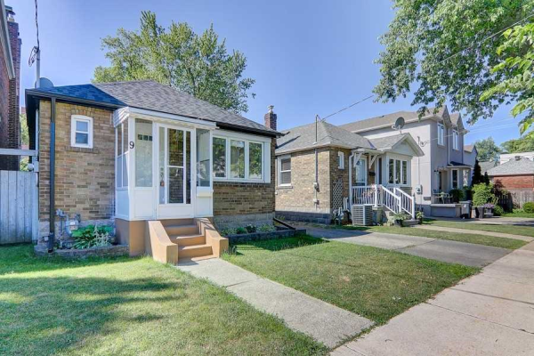 9 Torrens Ave