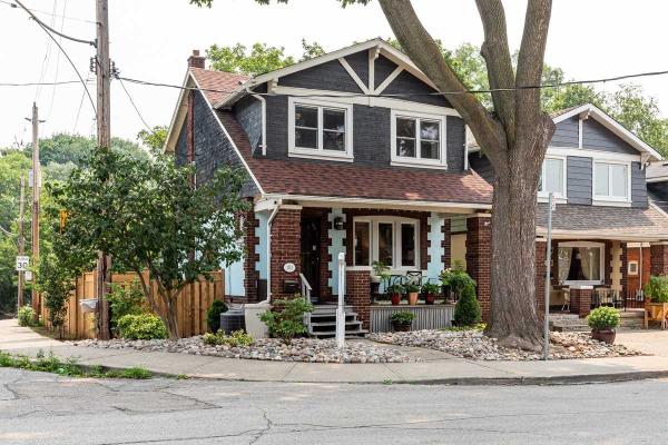 181 Gainsborough Rd, Toronto