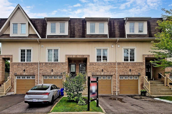 735 Sheppard Ave, Pickering