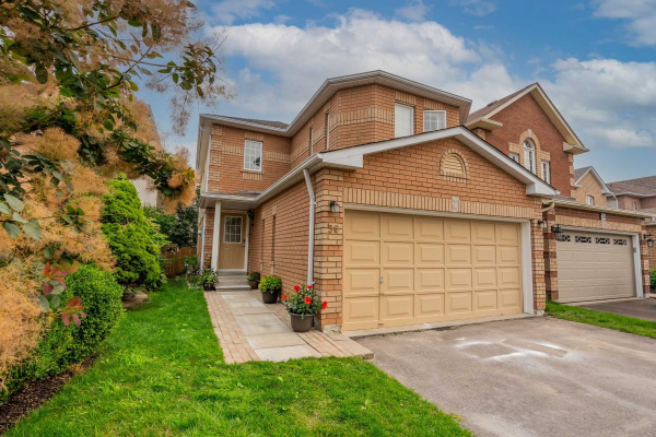 36 Steele Valley Crt, Whitby