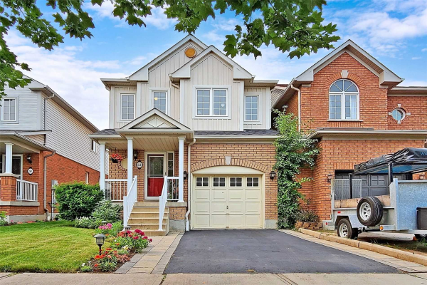 53 Catkins Cres, Whitby