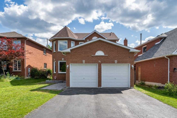 82 Furrow Dr, Whitby
