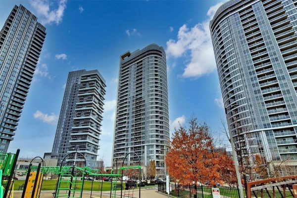181 Village Green Sq, Toronto