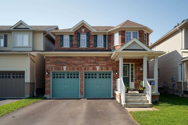 33 Florence Dr, Whitby