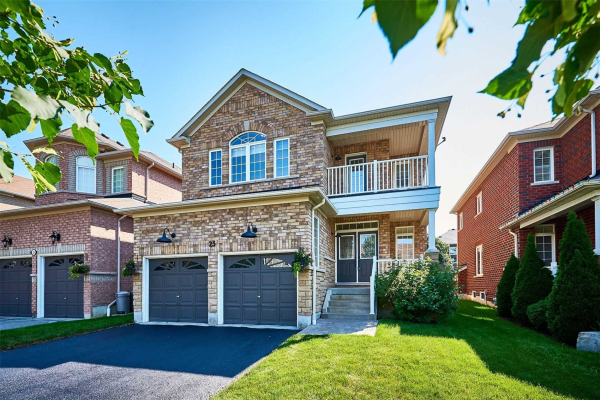 23 Lamport Crt, Whitby
