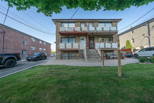 557 A Birchmount Rd, Toronto