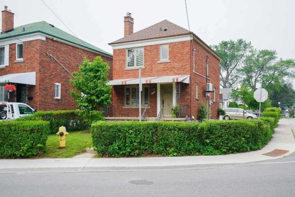 1076 Greenwood Ave, Toronto