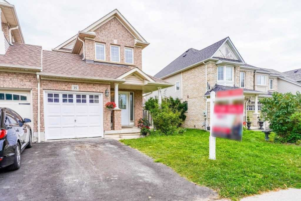 35 Hubble Dr, Whitby