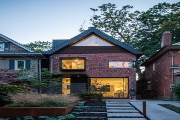 142 Kenilworth Ave, Toronto