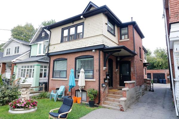 27 Hiawatha Rd, Toronto