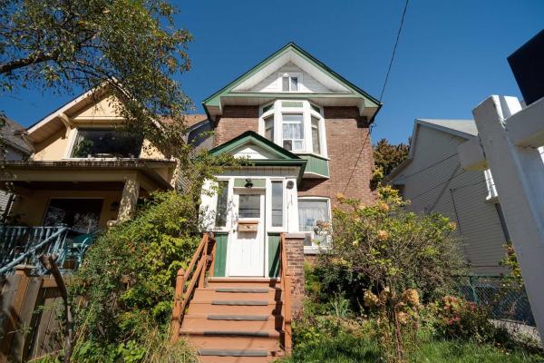 68 Harris Ave, Toronto