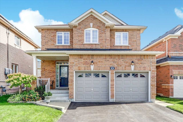 11 Roma Dr, Whitby