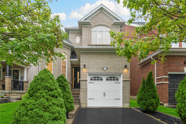 67 Kenilworth Cres, Whitby