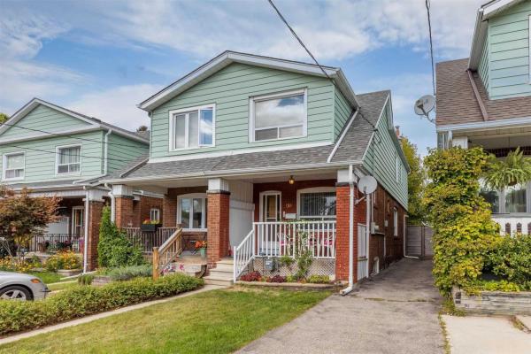 158 Springdale Blvd, Toronto