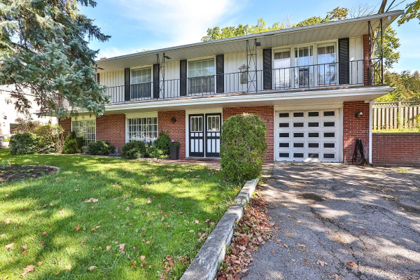 329 Fairview Dr, Whitby