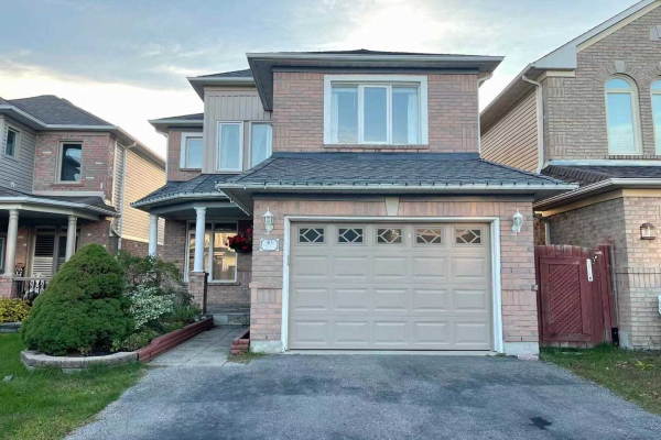 10 Hoodgate Dr, Whitby