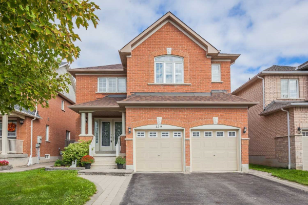 129 Baycliffe Dr, Whitby