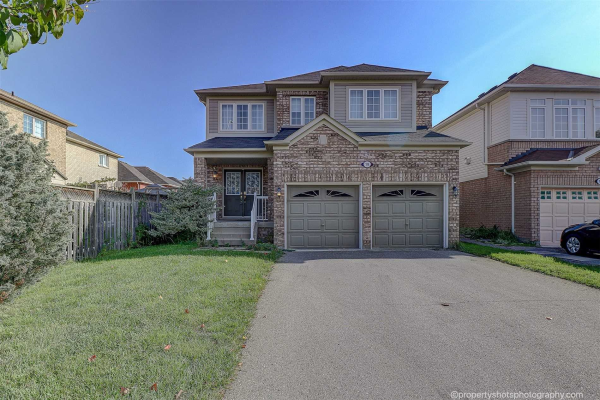 19 Belfountain Dr, Whitby