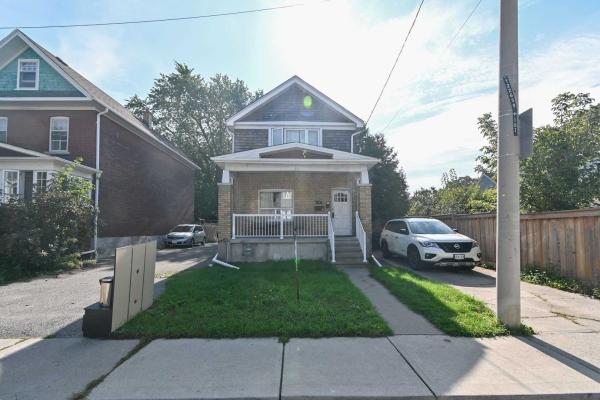 167 Barker Ave