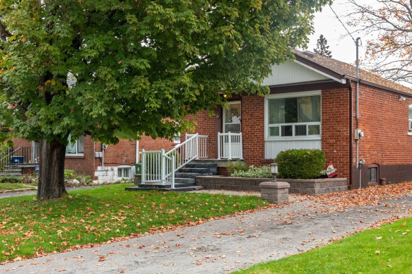 98 Marble Arch Cres, Toronto