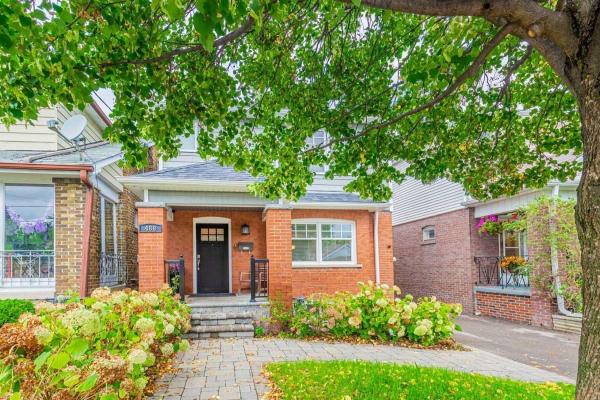 488 Sammon Ave, Toronto