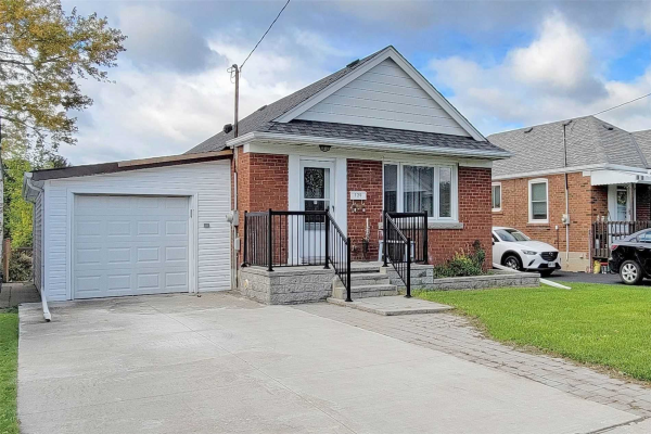 120 North Woodrow Blvd, Toronto