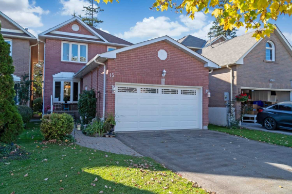 15 Fothergill Crt, Whitby