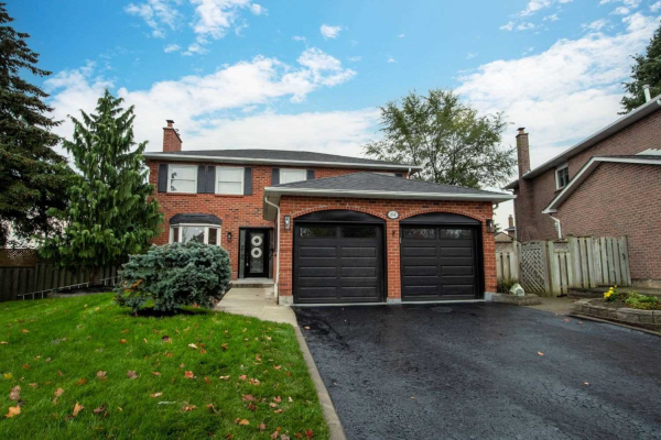 84 Hawley Cres, Whitby