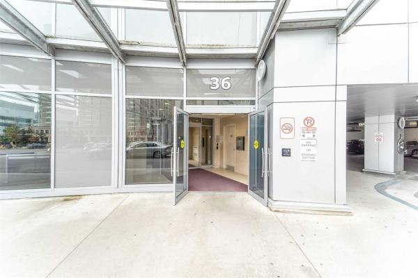 36 Lee Centre Dr, Toronto