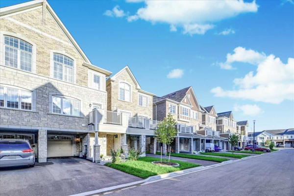 2421 Fall Harvest Cres, Pickering