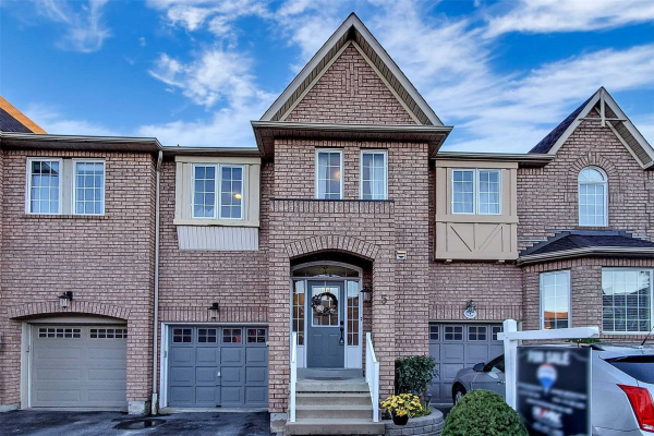 5 Stokely Cres, Whitby