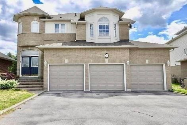33 Royal Amber Cres, East Gwillimbury