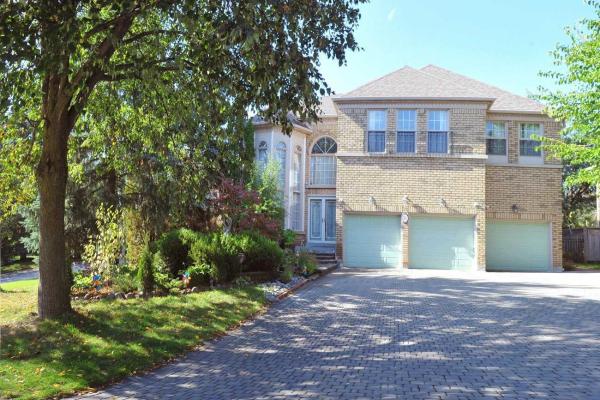 16 Crescentview Rd, Richmond Hill