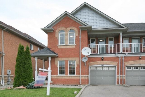 240 Old Colony Rd, Richmond Hill