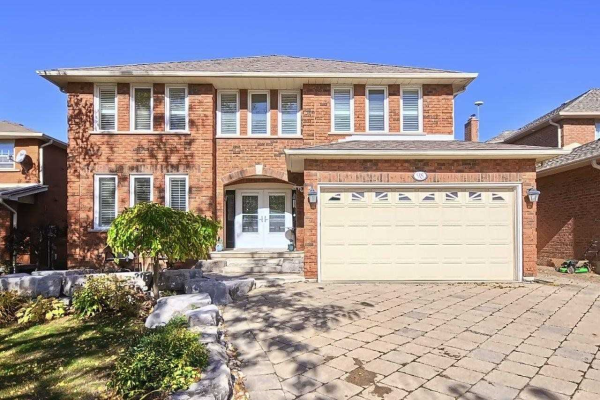 98 Bramble Cres, Whitchurch-Stouffville