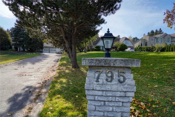 795 Woodland Acres Cres, Vaughan