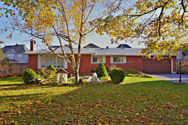51 Bond Cres, Richmond Hill