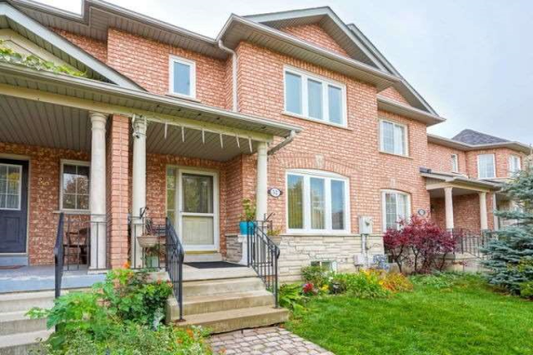 52 Castle Park Blvd, Vaughan