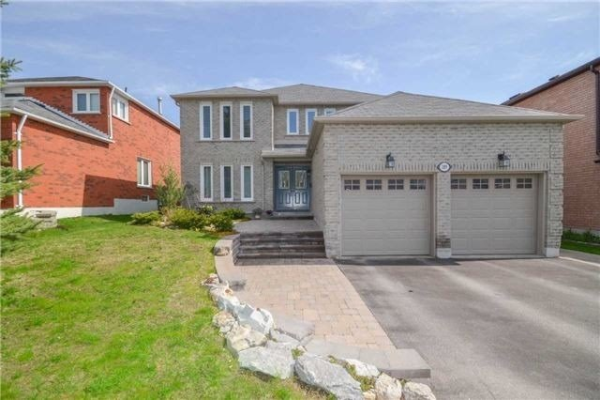 289 Kirby Cres, Newmarket