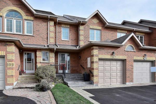 197 Park Dr, Whitchurch-Stouffville