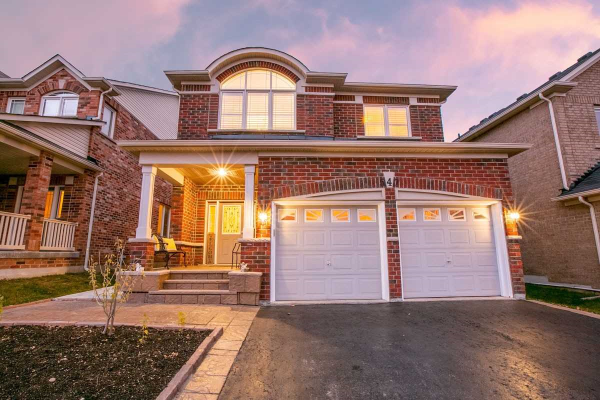 547 Woodspring Ave, Newmarket
