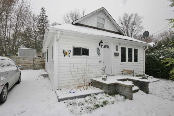 207 Pleasant Blvd, Georgina