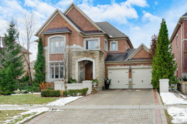 22 Rainbows End, Vaughan