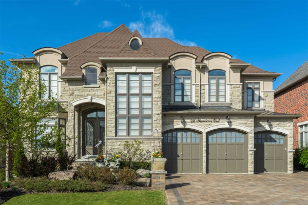 46 Rainbows End, Vaughan