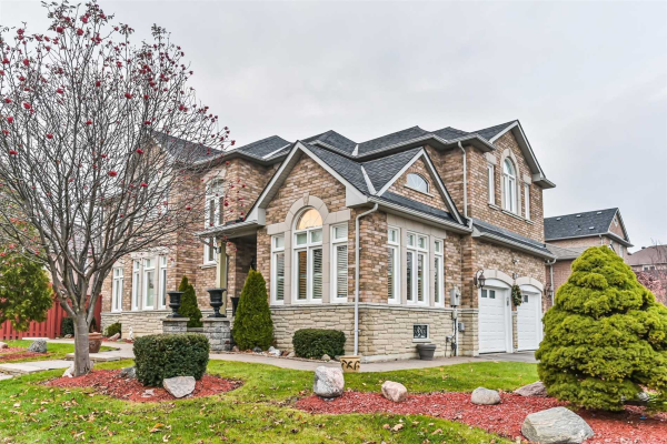 2 Dunblane Ave, Vaughan