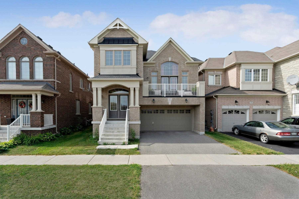 27 Hoover Park Dr, Whitchurch-Stouffville