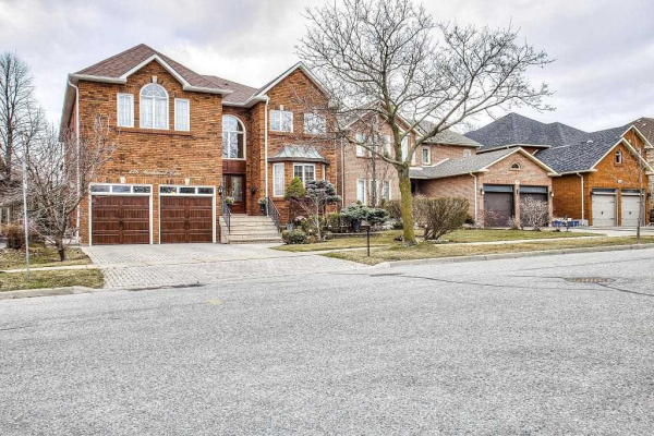 126 Markwood Lane, Vaughan