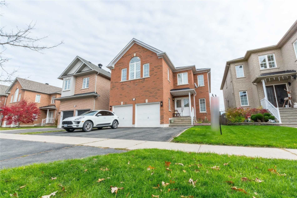 71 Gemini Cres, Richmond Hill