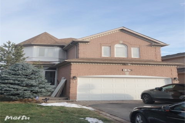 137 Sweet Water Cres, Richmond Hill
