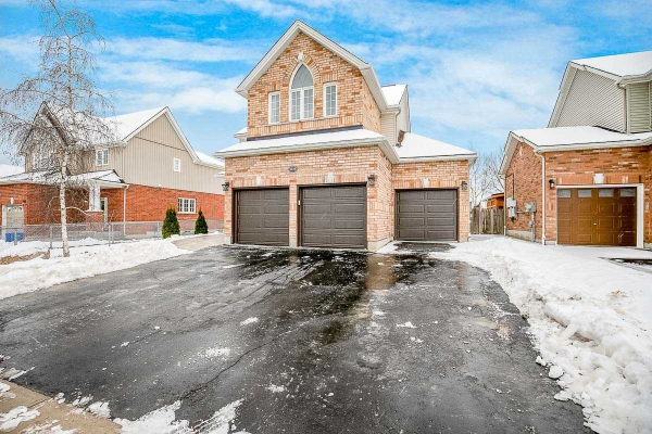 1119 Booth Ave, Innisfil